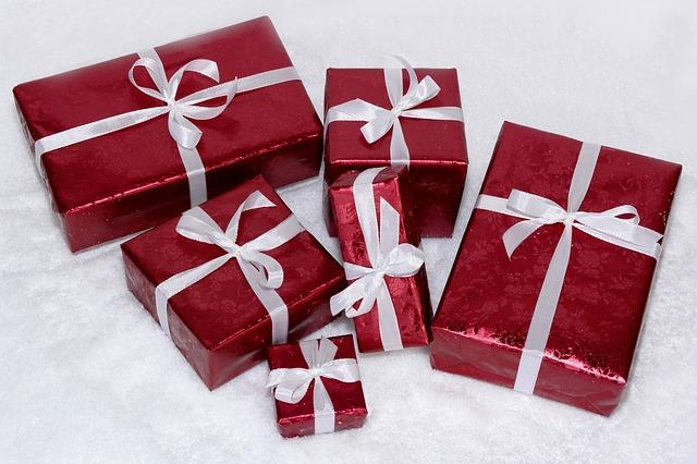 exchange gifts among society members